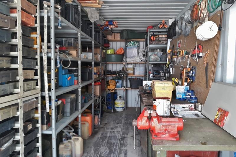 06 dilna v kontejneru